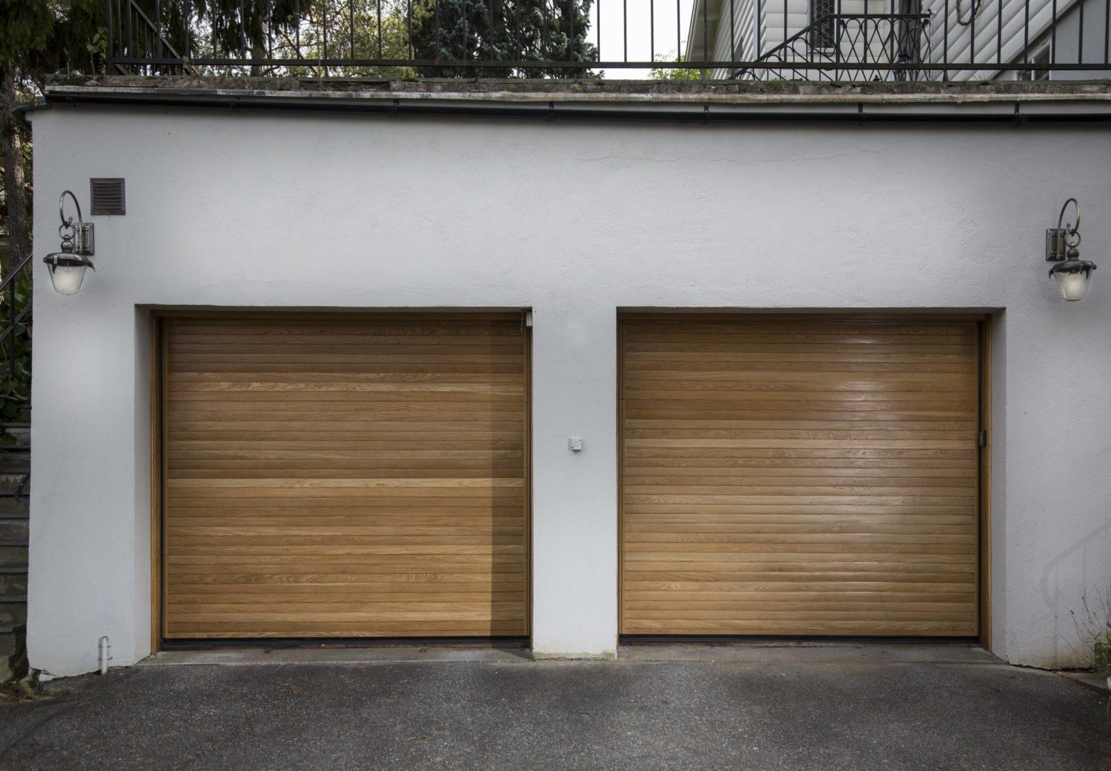 Garageportar på Sollerövägen